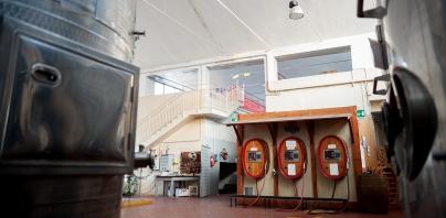 Area per la vendita al dettaglio e la mescita del vino sfuso